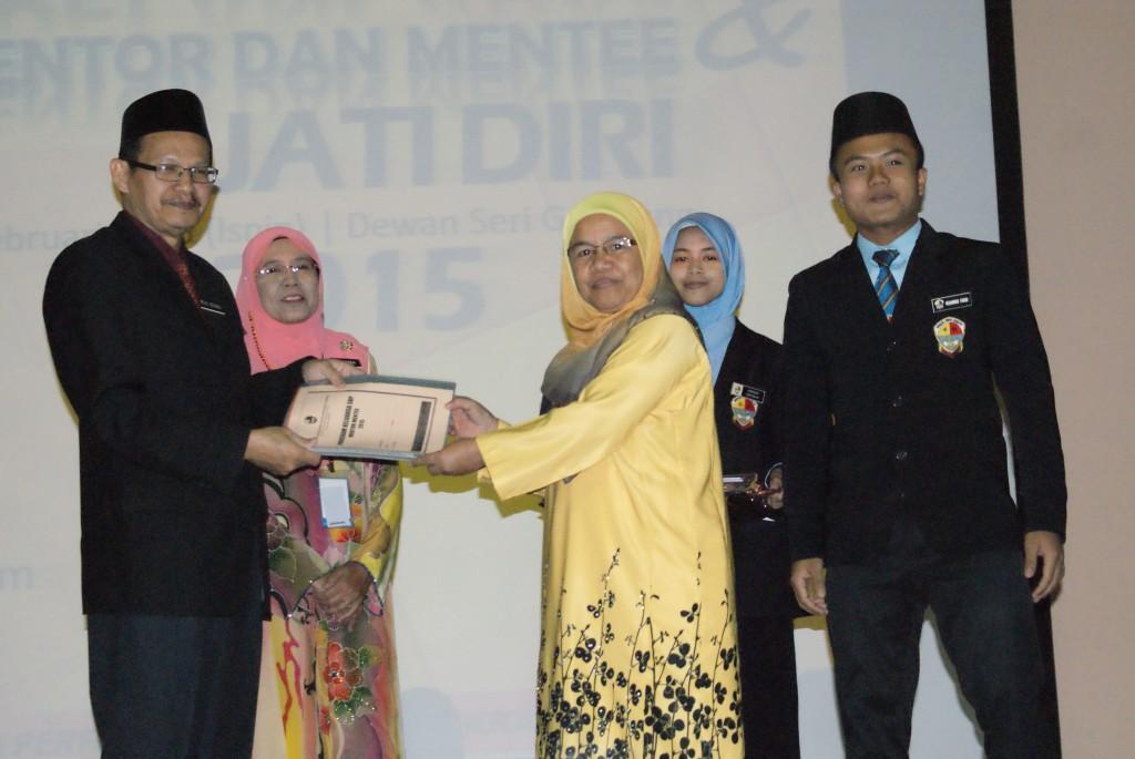 Majlis Pelancaran Mentor Mentee & Jati Diri 2015