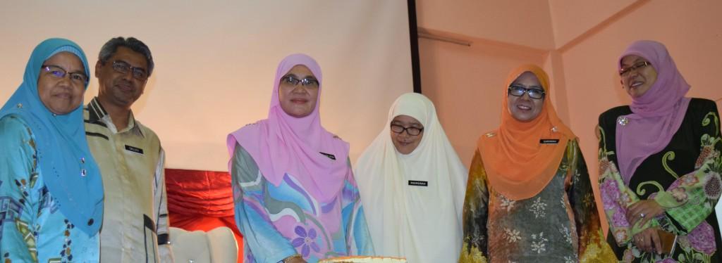 Majlis Persaraan Pn Wan Noor Afifah